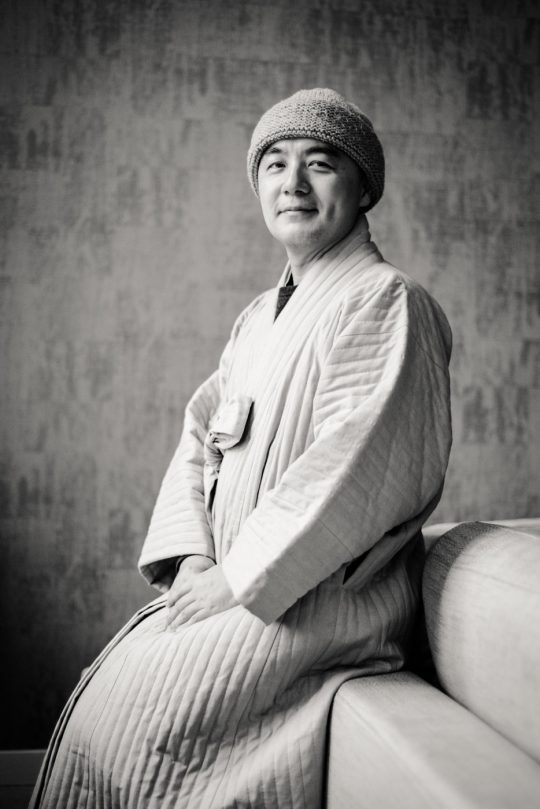 Zuid-Koreaanse Monnik en auteur Haemin Sunim aka 'de Twitter Monnik'.
